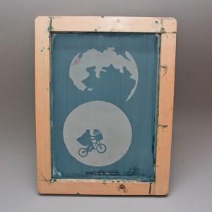 Sieb mit Holzrahmen fertig für 2 farbigen Siebdruck beschichtet.